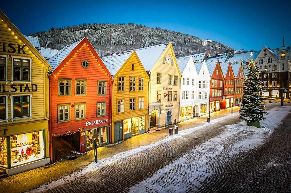 città di bergen vista di inverno paesaggio innevato