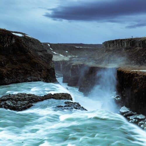 vista delle cascate gullfoss in islanda
